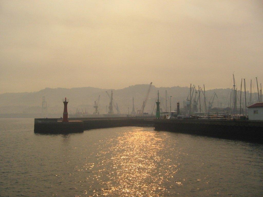 港の様子。