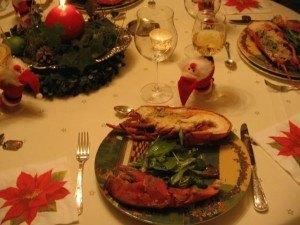 クリスマスのディナーの様子。こんなサンタクロースをつけるのが、また愛嬌があって良かったです。
