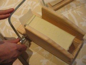 石鹸を切るのはチーズを切るのと似ています。