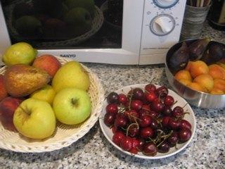 大量のフルーツがストックされていると、なんだか心が豊かになります。
