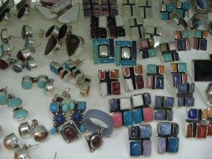 銀製品の数々。