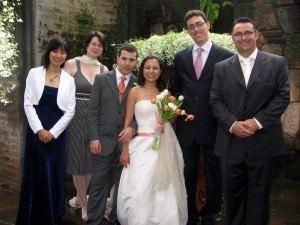 結婚式で新郎新婦と一緒に。とても心に残る素敵な披露宴でした。