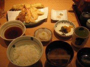 良い油を使った揚げたての天ぷらって本当に美味しいですね。