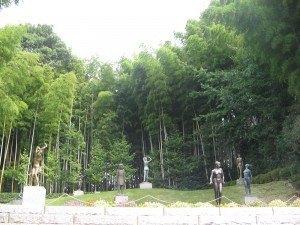 美術館の竹林の立派なこと。
