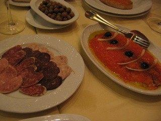 お肉の種類の多さには目を見張るものがあります。