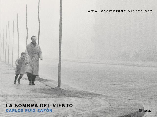 """""""La Sombra del Viento""""の表紙。"""