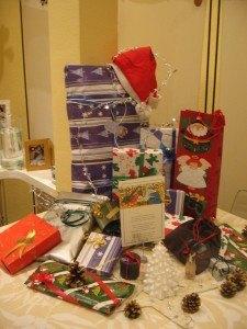 ディナーに行く前に、皆のプレゼントをリビングのテーブルの上に飾っておきました。これから楽しいプレゼントタイム!