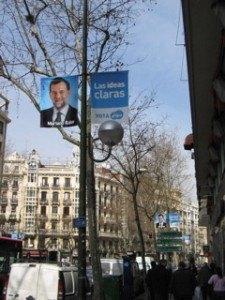 """民衆党のRajoyのポスター。スローガンは""""Las ideas claras (The clear ideas)""""。"""