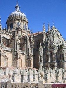 プラテレスク様式で有名な大聖堂
