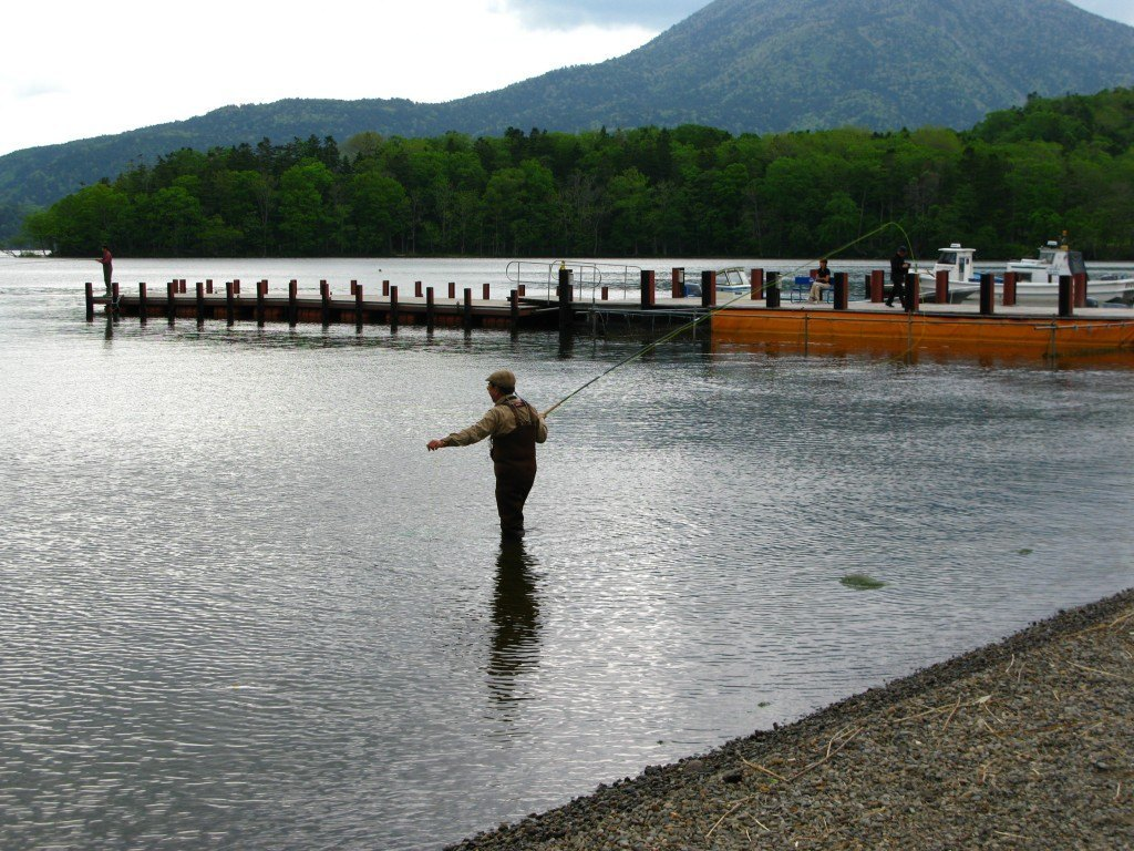 阿寒湖で。この静寂の時の美しさ。
