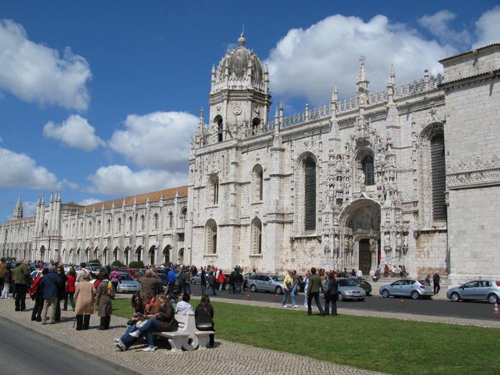 マヌエル様式で有名なジェロニモ修道院。ユネスコの世界遺産に登録されています。