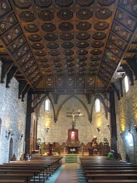 天井はムデハル建築の典型です。