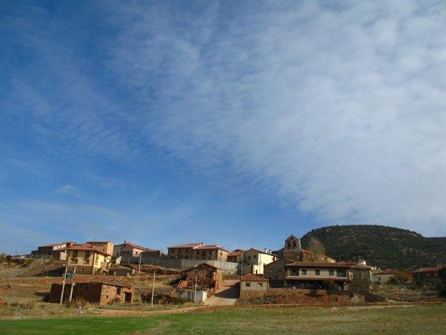 タランクエニャ村と秋の空