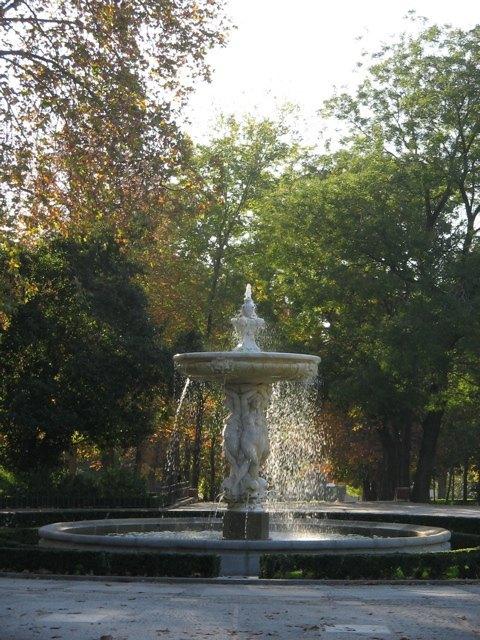 Retiro公園の噴水。