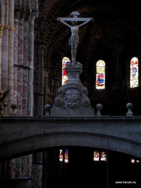 大聖堂の中。