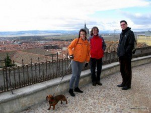 MartaとJuanの犬、ダックスフントのTrufaも旅行に参加。すぐになついて本当に可愛かったです。