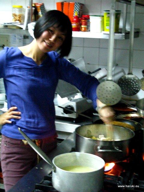 本格的な調理場って本当に面白いです♪