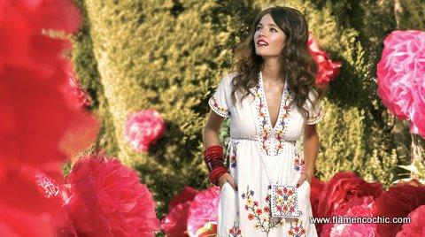 Flamencoの春カタログより。この服はお姫様系ですね。