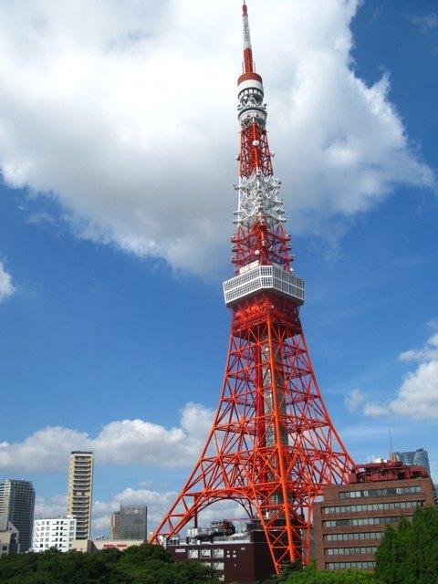 ホテルの部屋から見る東京タワー。