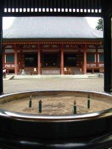 毛越寺の本堂。