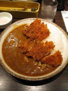おまけ。夫も夫の友人も日本のカレーが大好きです。朝食にカレーを食べて大満足!