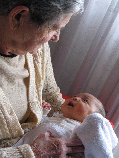 夫のおばあちゃんと娘。