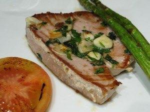 お肉が食べられないとは言え、こんな立派なお魚を食べられて、「禁欲」とは言えない聖金曜日でした。