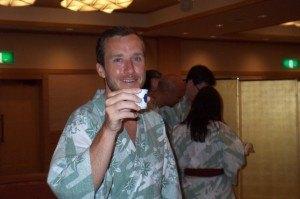 私たちの披露宴でほろ酔いのハビ。