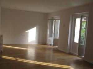 一つの大きな居間に変更。