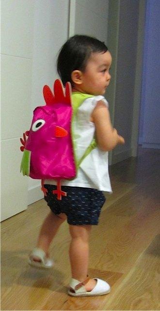 おもちゃもおやつもしっかり持って、準備完了!