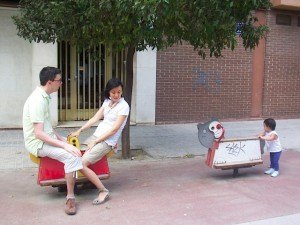 私達に乗ってとせがんだ娘が、親を置いて別の乗り物に行ってしまうことも・・・。あれれ?