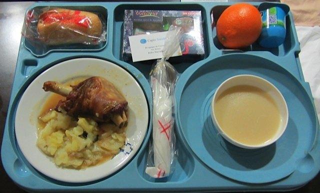 病院でのディナー。羊料理はスペインで一般的なクリスマスの一品です。