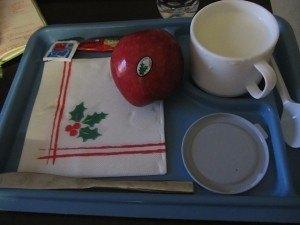 クリスマスイブの病院でのおやつ。糖尿病食になっています。