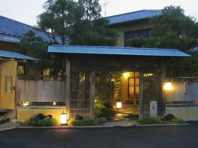 たち吉の入口。日本に帰ってきたなぁ・・・としみじみ。