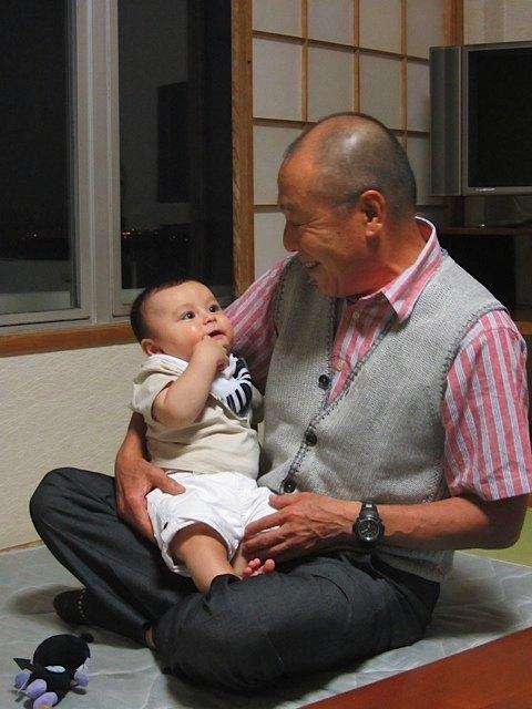 母の兄であるこの叔父さんは、健斗と一緒だと本当に嬉しそうでした。