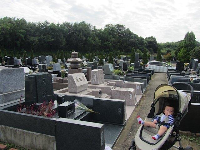 日本でのお墓参りの様子。今年は行けて良かったです。