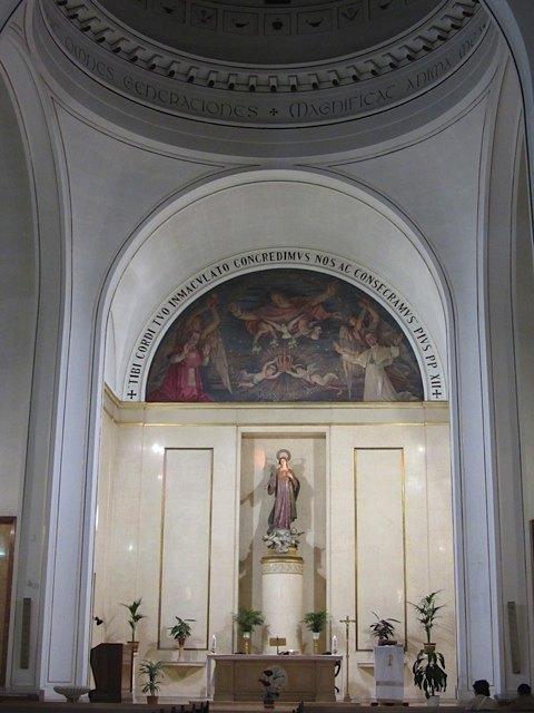 よく行く教会の中の様子。
