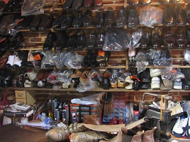 つやつやに磨かれた靴達。