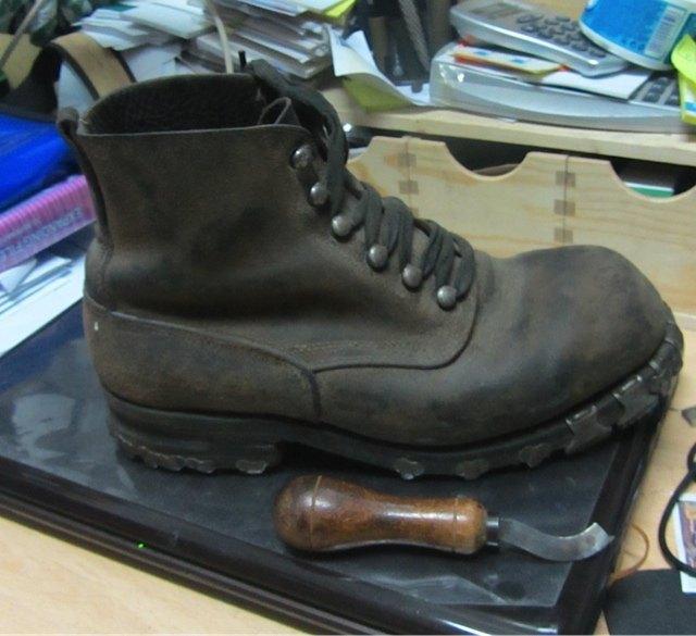 第一次大戦の時に使用された靴。