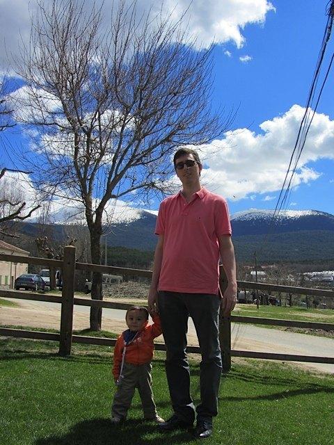 健斗も公園でお散歩をして大満足。