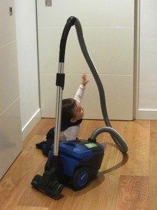 掃除機が大好きな息子。