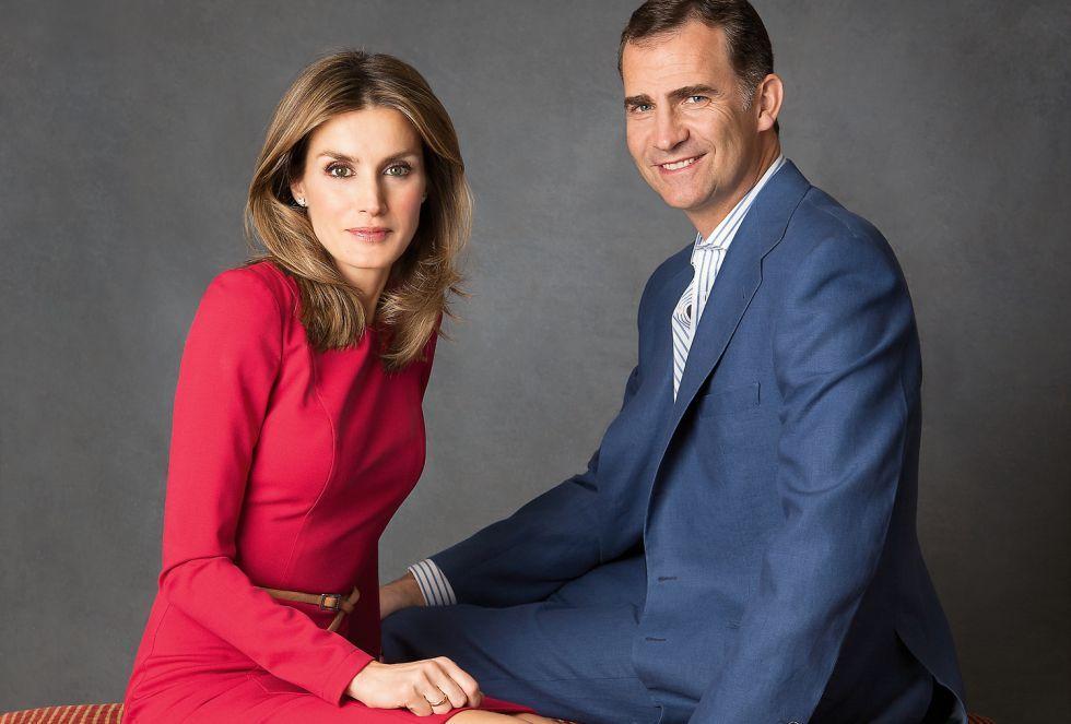 新国王フェリペ6世と新王妃レティシア。El pais紙より。