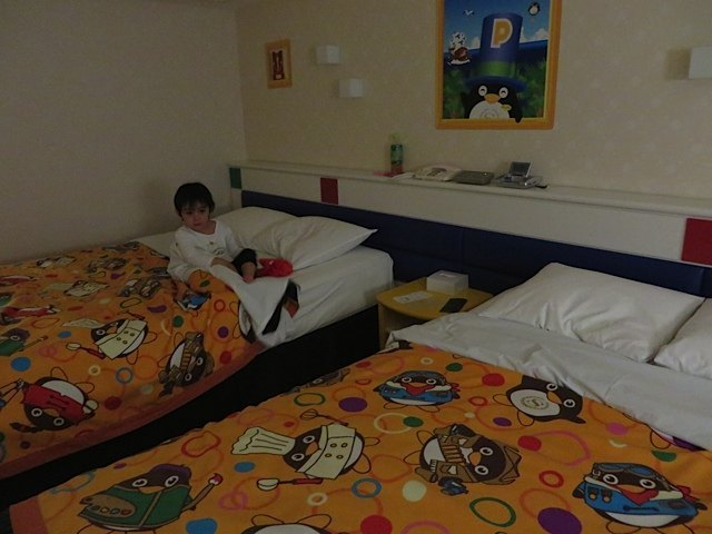 ホテルの中。ペンギングッズ等もあって子供が喜ぶ内装でした。