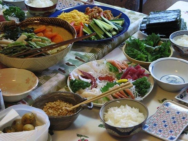叔母達の手作りの料理の数々。とても料理上手な二人の心のこもったお料理は、どれも絶品でした。