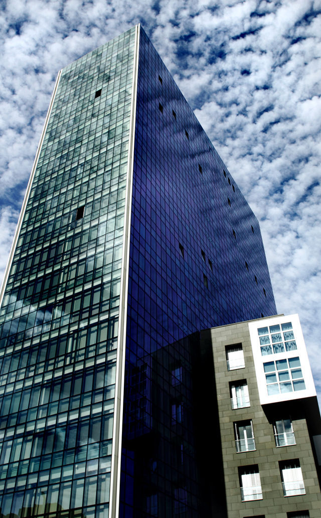 近くで見ると迫力のある、非常に美しい建物でした。www.es.wikipedia.orgより。