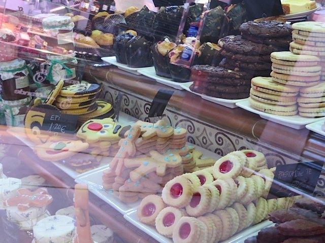 スペインにありそうでないお菓子が豊富で、なかなか素敵でした。