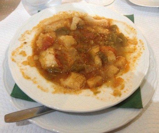 お皿から溢れそうになり、見た目はいまいちのスープでしたが、優しい味が五臓六腑に染み渡るようでした。寒い時はスープに限ります。