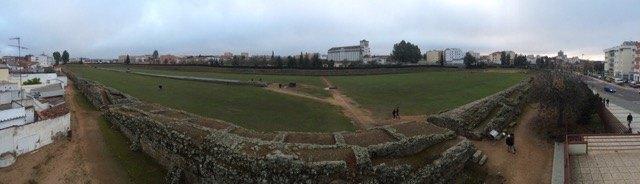 競馬場。これだけの規模のものは、他ではローマにしかありません。