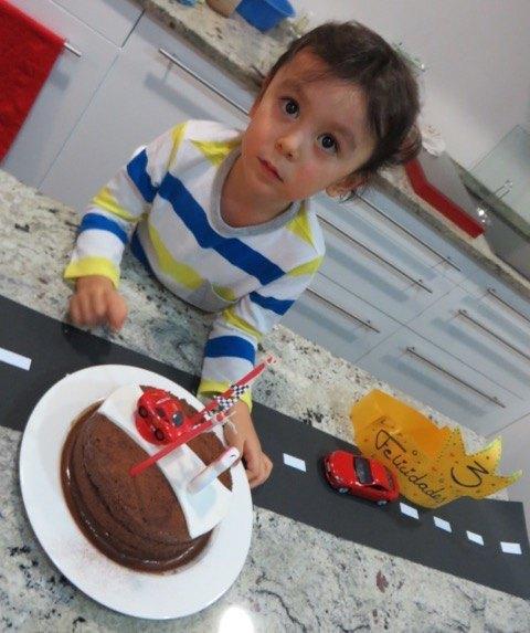 こちらも「カーズ」。車をつければ基本的に喜んでくれる息子と、チョコレートケーキを作れば喜んでくれる夫と娘。皆の要望がマッチしました。
