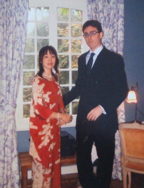 06年の友人の結婚式にて。デジタル写真はなく、これが唯一の写真として残っています。